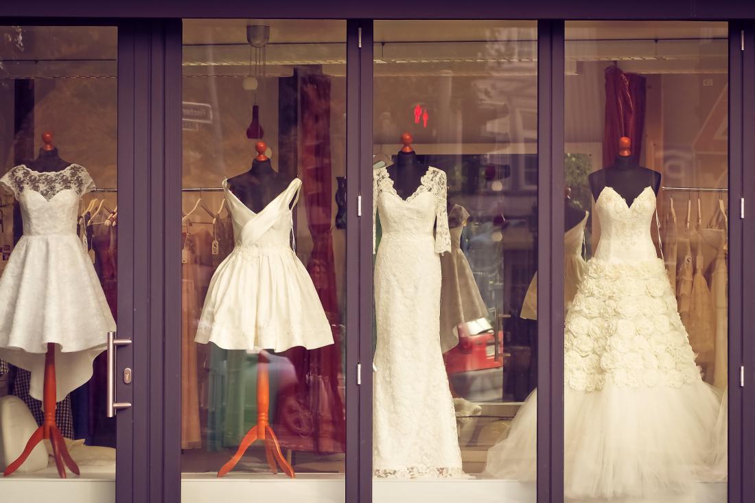 Günstige Brautkleider online kaufen bei der Modemarke Taubenweiß